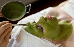 5-Amazing-Ways-To-Use-Green-Tea-Bags-On-Your-Skin-2